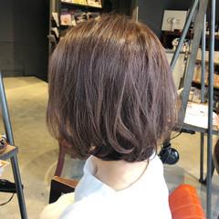 ショートヘア ピンクベージュ ラベンダーピンク ピンクラベンダー ヘアスタイルや髪型の写真・画像