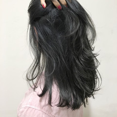 ミディアム ナチュラル モード アッシュ ヘアスタイルや髪型の写真・画像