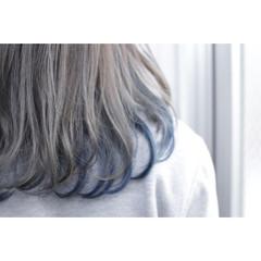 ミディアム グレー ネイビー ストリート ヘアスタイルや髪型の写真・画像