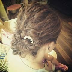 結婚式 波ウェーブ ヘアアレンジ ナチュラル ヘアスタイルや髪型の写真・画像