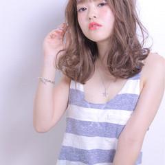 色気 外国人風 アンニュイ セミロング ヘアスタイルや髪型の写真・画像