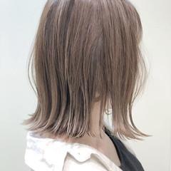 切りっぱなしボブ ロブ シアーベージュ ナチュラル ヘアスタイルや髪型の写真・画像
