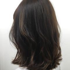 レイヤーカット デート ミディアム 黒髪 ヘアスタイルや髪型の写真・画像