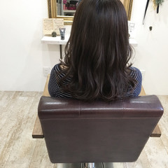 暗髪 秋 ナチュラル アッシュ ヘアスタイルや髪型の写真・画像