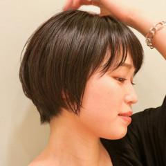 ツヤ髪 ナチュラル 大人可愛い 小顔ショート ヘアスタイルや髪型の写真・画像