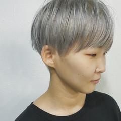 ベージュ ブリーチ ナチュラル アッシュベージュ ヘアスタイルや髪型の写真・画像