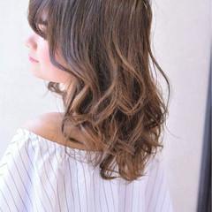 ピュア アッシュ グラデーションカラー ナチュラル ヘアスタイルや髪型の写真・画像