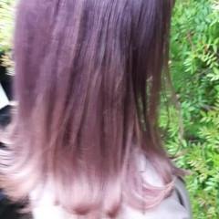 ロング ガーリー インナーカラー 切りっぱなしボブ ヘアスタイルや髪型の写真・画像