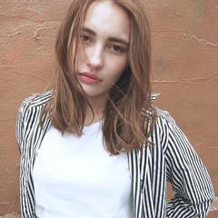 パーマ ミディアム ストレート 外国人風 ヘアスタイルや髪型の写真・画像