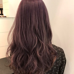 フェミニン セミロング ピンクパープル ヘアスタイルや髪型の写真・画像