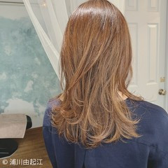 ロング 外ハネ ハイライト ゆるふわ ヘアスタイルや髪型の写真・画像