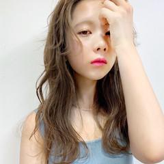 アンニュイほつれヘア レイヤーカット ナチュラル ロング ヘアスタイルや髪型の写真・画像