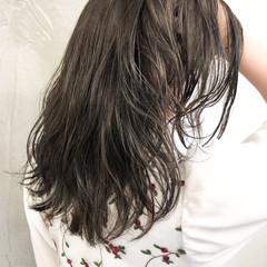 イルミナカラー 表参道 セミロング グレージュ ヘアスタイルや髪型の写真・画像