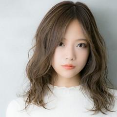 外国人風カラー 極細ハイライト 3Dハイライト ハイライト ヘアスタイルや髪型の写真・画像