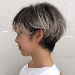 ミルクティーベージュ モード ベリーショート インナーカラー ヘアスタイルや髪型の写真・画像