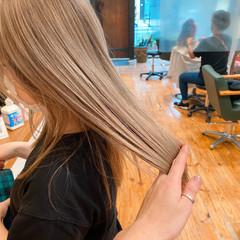 ミルクティー シアーベージュ ブリーチカラー ミルクティーベージュ ヘアスタイルや髪型の写真・画像