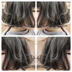 ハイライト グレージュ 外ハネ ボブ ヘアスタイルや髪型の写真・画像