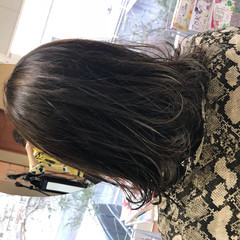 ロブ 透明感カラー ミディアム ナチュラル ヘアスタイルや髪型の写真・画像