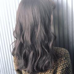 グレージュ ナチュラル アッシュ セミロング ヘアスタイルや髪型の写真・画像