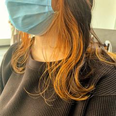 ナチュラル オレンジカラー セミロング インナーカラー ヘアスタイルや髪型の写真・画像