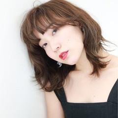 前髪パーマ ミディアム フェミニン マッシュ ヘアスタイルや髪型の写真・画像