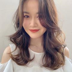 ミディアム ミディアムヘアー 韓国ヘア フェミニン ヘアスタイルや髪型の写真・画像