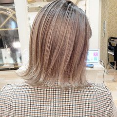 髪質改善 ミルクティーグレージュ ミルクティーベージュ ブリーチカラー ヘアスタイルや髪型の写真・画像