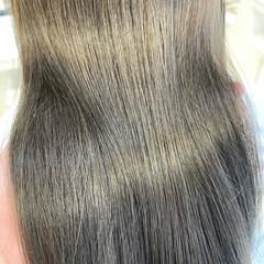 ミディアム 小顔ヘア 透明感 レイヤーカット ヘアスタイルや髪型の写真・画像