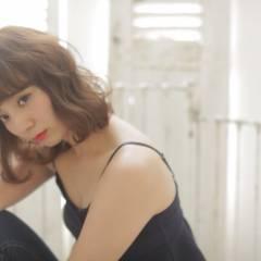 ミディアム モテ髪 ゆるふわ フェミニン ヘアスタイルや髪型の写真・画像