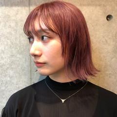 外ハネ ウェットヘア ストリート ピンク ヘアスタイルや髪型の写真・画像