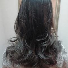 バレイヤージュ グラデーションカラー セミロング ゆるふわ ヘアスタイルや髪型の写真・画像