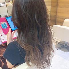 ナチュラルグラデーション グラデーションカラー ロング グラデーション ヘアスタイルや髪型の写真・画像