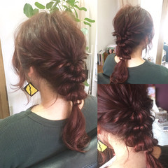 ベリーピンク インナーカラー セミロング フリンジバング ヘアスタイルや髪型の写真・画像