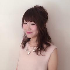 ミディアム 簡単ヘアアレンジ 大人かわいい ヘアアレンジ ヘアスタイルや髪型の写真・画像