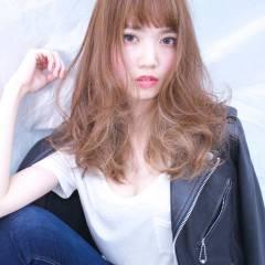 セミロング 外国人風 ウェーブ モード ヘアスタイルや髪型の写真・画像