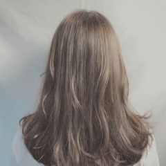 ウルフカット ナチュラル アッシュベージュ ベージュ ヘアスタイルや髪型の写真・画像