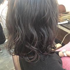 ゆるふわ ミディアム フェミニン 暗髪 ヘアスタイルや髪型の写真・画像