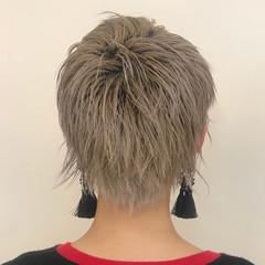 ベリーショート ショートヘア モード デザインカラー ヘアスタイルや髪型の写真・画像