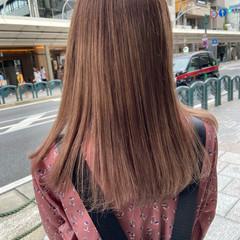 ブラウンベージュ レイヤーカット ミルクティーベージュ ヌーディベージュ ヘアスタイルや髪型の写真・画像