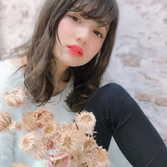 イルミナカラー フェミニン グレージュ 大人可愛い ヘアスタイルや髪型の写真・画像