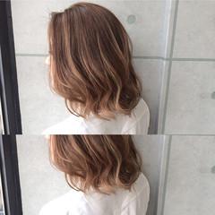 ハイライト ガーリー アッシュ ミディアム ヘアスタイルや髪型の写真・画像