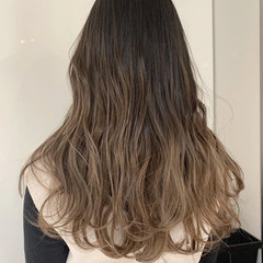 波ウェーブ ナチュラル 透明感 ミルクティーベージュ ヘアスタイルや髪型の写真・画像