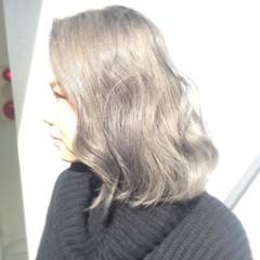 ダブルカラー ブリーチ ハイトーン アッシュグレージュ ヘアスタイルや髪型の写真・画像