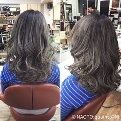 シルバー アッシュ セミロング ガーリー ヘアスタイルや髪型の写真・画像