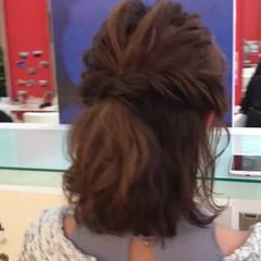 波ウェーブ フェミニン ミディアム ハーフアップ ヘアスタイルや髪型の写真・画像