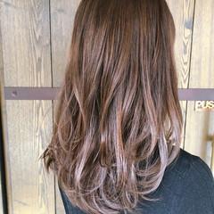 ピンクアッシュ ナチュラル ふわふわ ロング ヘアスタイルや髪型の写真・画像