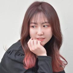 ラズベリーピンク 韓国ヘア グラデーションカラー ベリーピンク ヘアスタイルや髪型の写真・画像