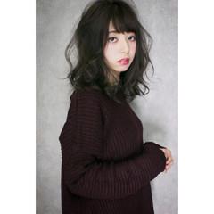 ハイライト フェミニン セミロング ナチュラル ヘアスタイルや髪型の写真・画像