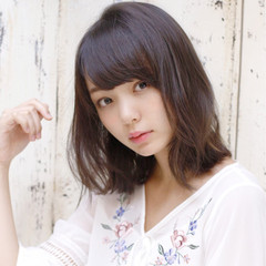 ミディアム ナチュラル 秋 デジタルパーマ ヘアスタイルや髪型の写真・画像