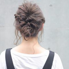 編み込み ナチュラル リラックス 透明感 ヘアスタイルや髪型の写真・画像